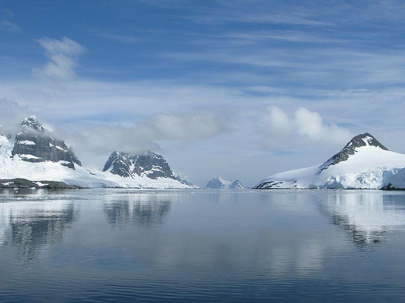 Chenal Peltier (Antarctique). Source : Serge Ouachée - Wikipedia Commons.